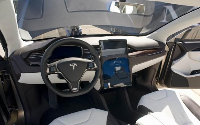 Салон Tesla Model X