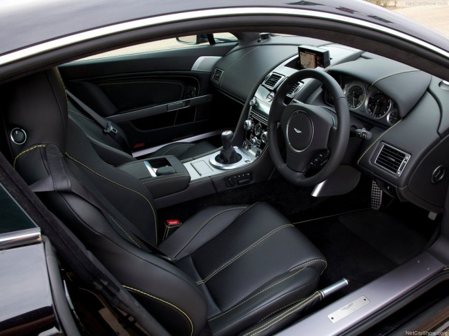 Салон Aston Martin V8 Vantage