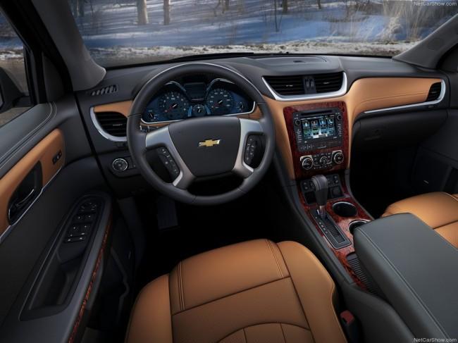 Фото салона Chevrolet Traverse 2012