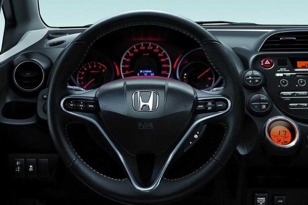 Фото Хонда Джаз Si 2012