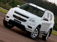 Chevrolet TrailBlazer II 2013 фото