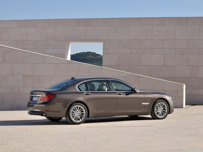 BMW 750 Li 2012