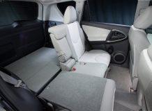 Интерьер Toyota RAV4 EV