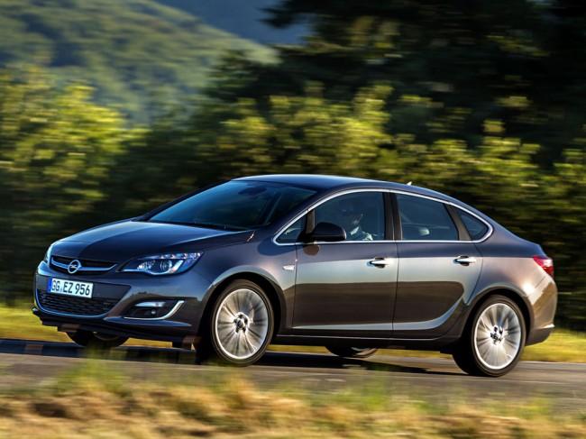 Новый Opel Astra J седан