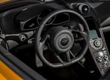 Салон McLaren MP4-12C Spider