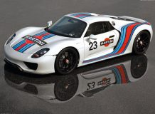 Прототип Порше 918 в окраске Martini Racing