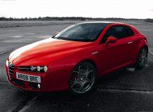 Красная Alfa Romeo Brera S