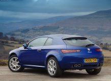 Синяя Alfa Romeo Brera фото