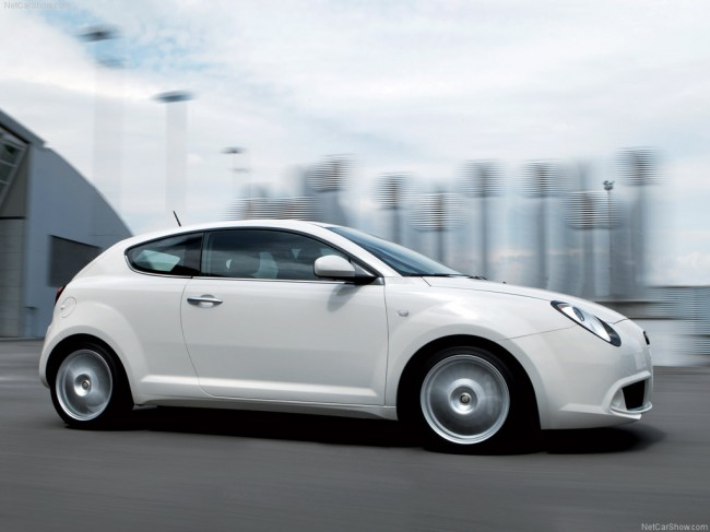Фото хэтчбека Alfa Romeo MiTo