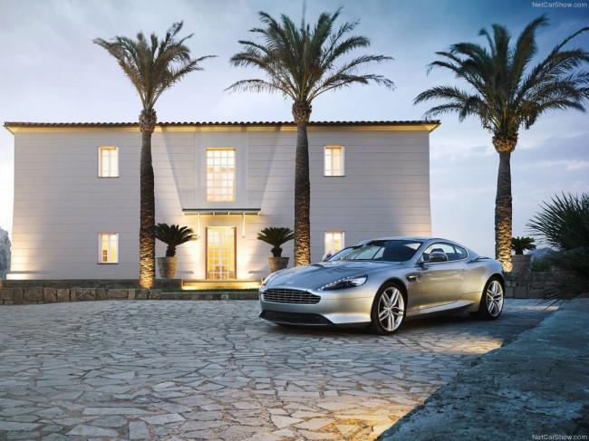 Обновленный Aston Martin DB9 2013 фото