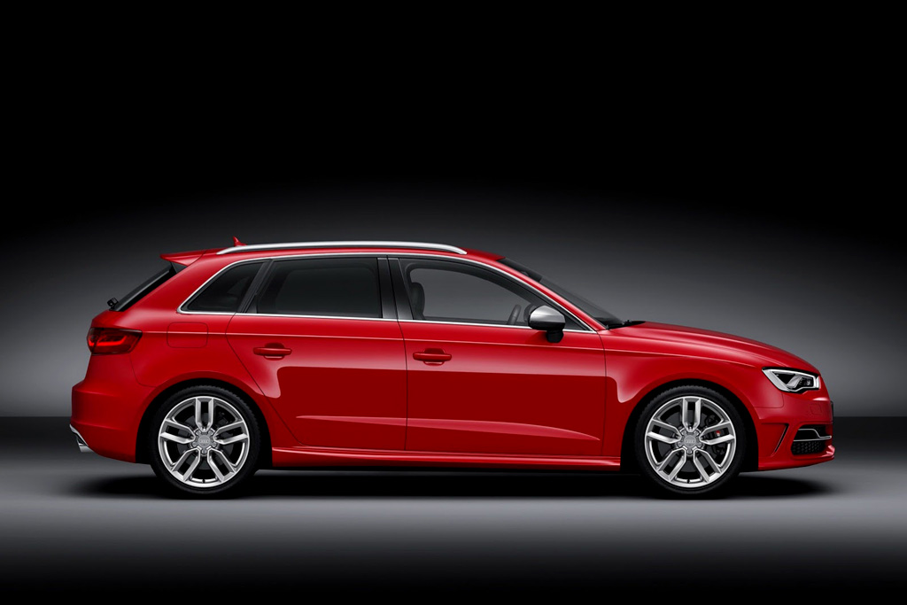 Фото новой Audi S3 Sportback