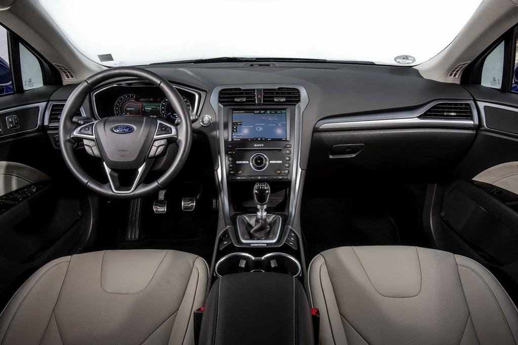 Салон Ford Mondeo 5