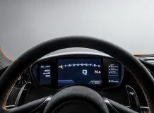Панель приборов McLaren P1