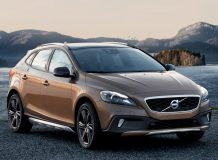 Фото новой Volvo V40 Cross Country 2016