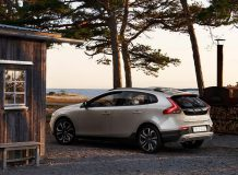 Volvo V40 Cross Country 2017 фото