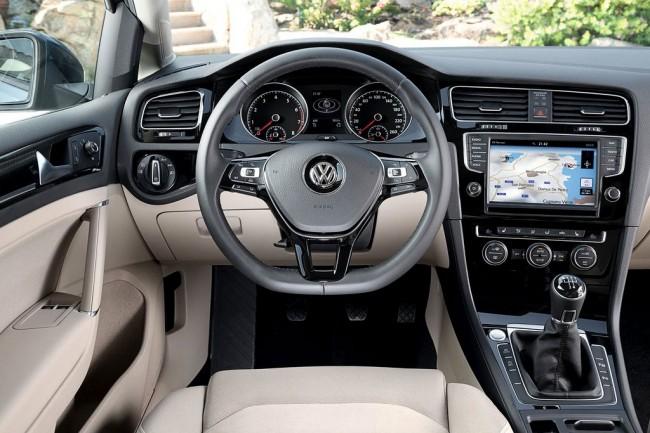 Фото салона Volkswagen Golf 7