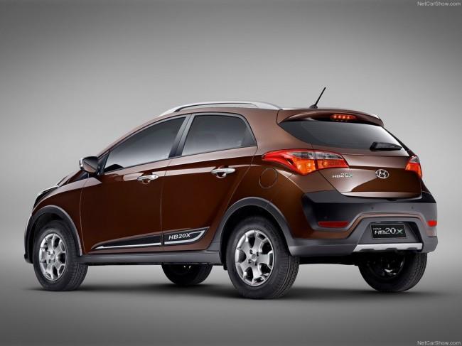 Фото нового Hyundai HB20X