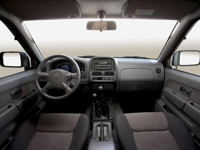 Салон Nissan NP 300