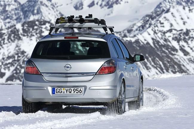 Фото Opel Astra Family хэтчбек