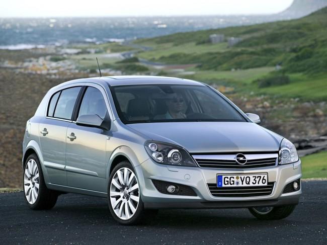 Фото хэтчбека Opel Astra H