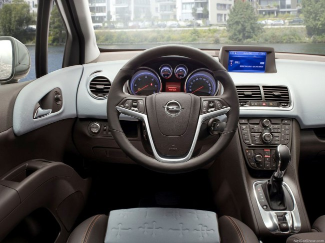 Фото салона Opel Meriva B