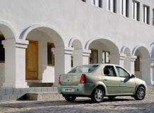 Фото Renault Logan до рестайлинга