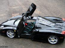 Фото черного Ferrari Enzo