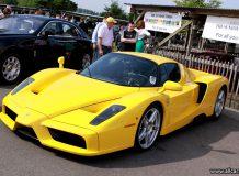 Желтый Ferrari Enzo