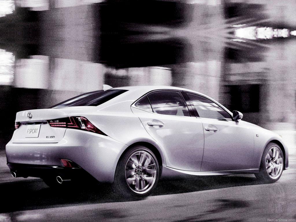 Фото нового Lexus IS 2016