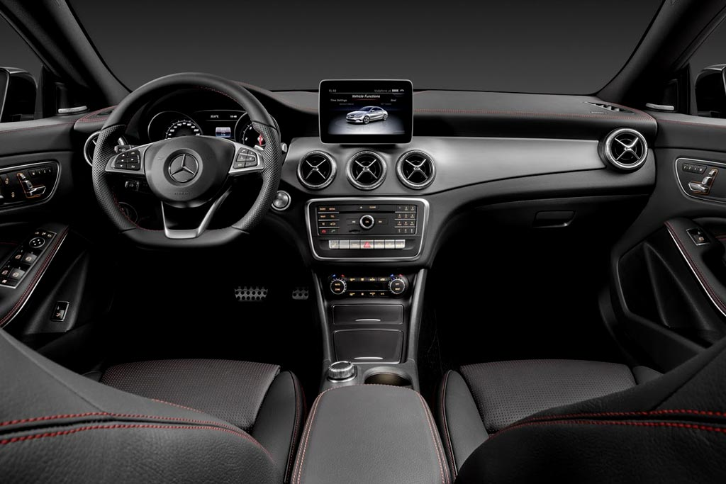 Салон нового Mercedes CLA-Class