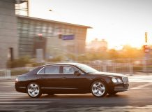 Bentley Continental Flying Spur 2016 года