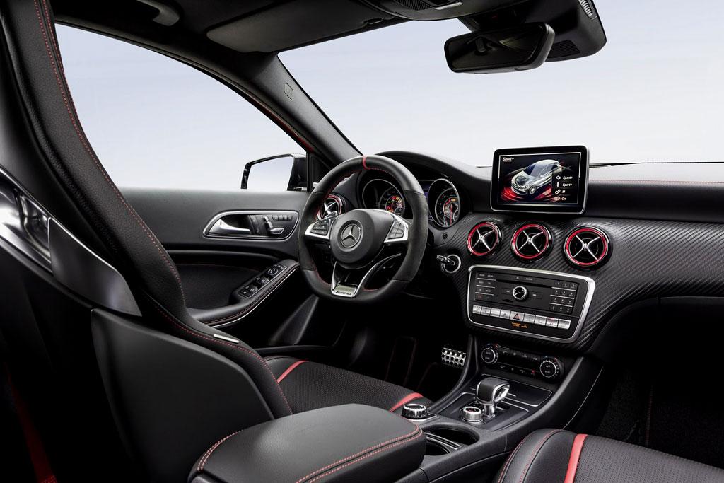 Салон Mercedes A45 AMG