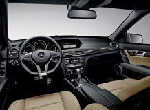 Салон Mercedes C 63 AMG фото