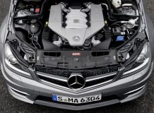 Двигатель C63 AMG фото