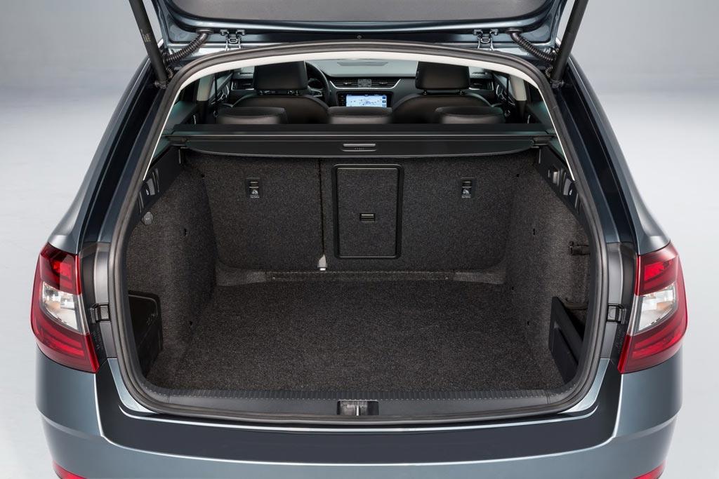 Фото багажника Skoda Octavia A7
