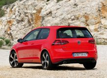 Фото Volkswagen Golf 7 GTI 2015