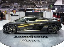 Золотой Koenigsegg Agera S Hundra