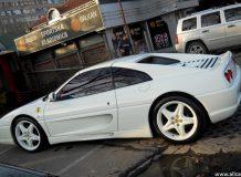 Ferrari 355 фото
