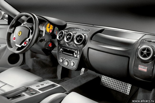 Фото салона Ferrari F430