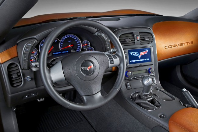 Фото салона Corvette C6