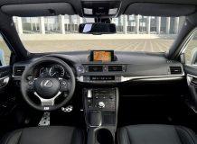 Салон нового Lexus CT200h 2016