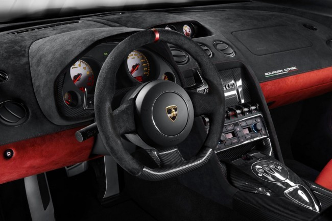 Фото салона Lamborghini LP 570-4 Squadra Corse