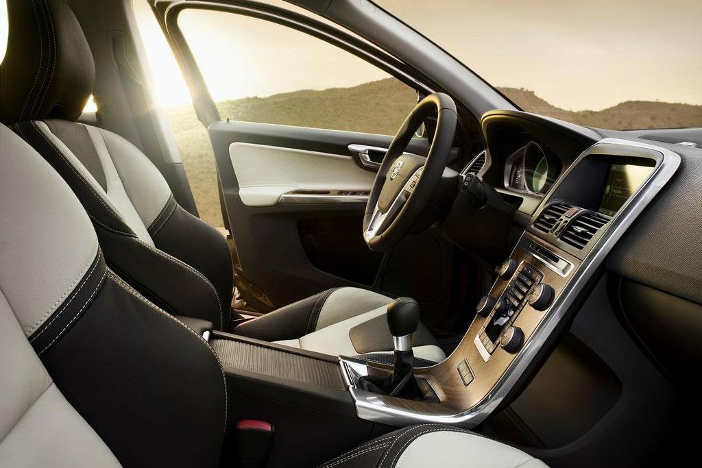 Салон Volvo XC 60 фото