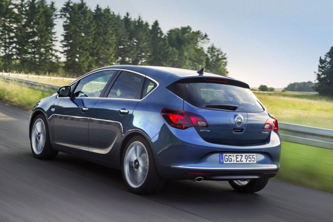 Фото нового Opel Astra J 2013