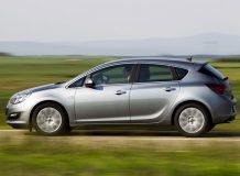 Фото Opel Astra J 2013