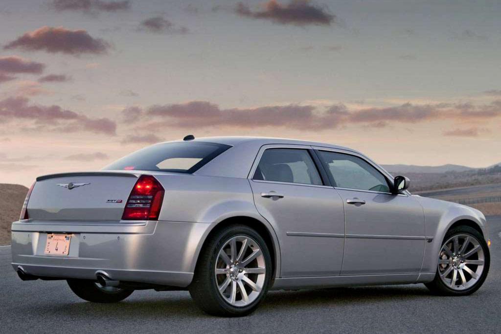 Chrysler 300C SRT8 фото