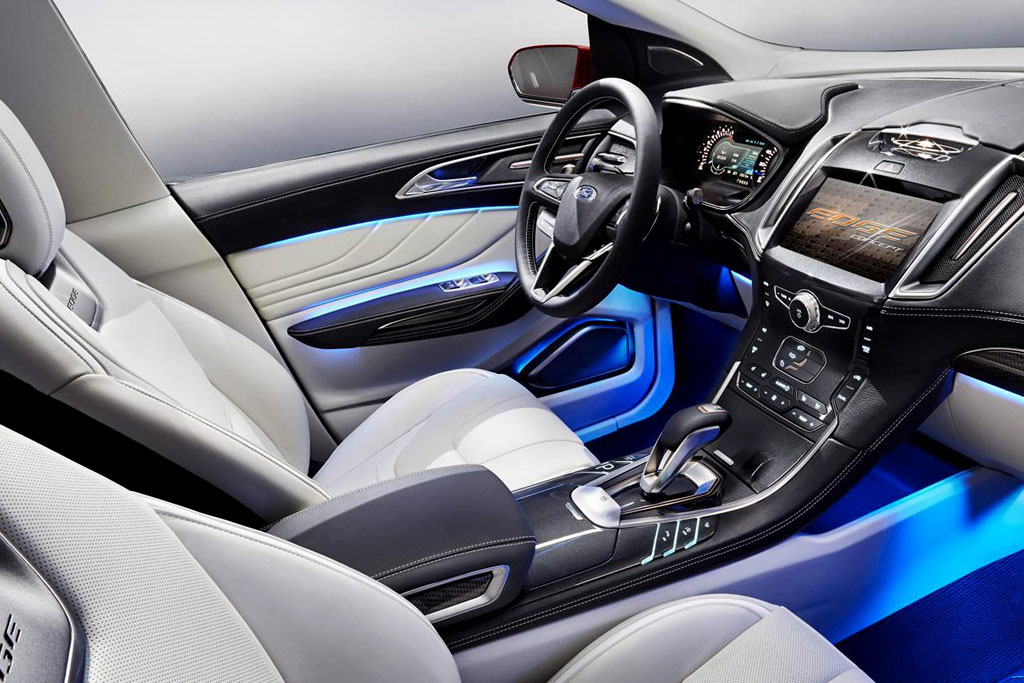 Фото салона Ford Edge Concept