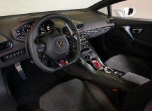 Фото салона Lamborghini Huracan