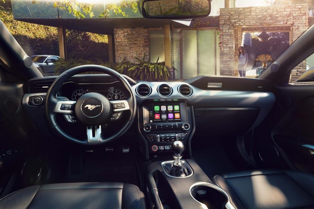 Салон Ford Mustang 6