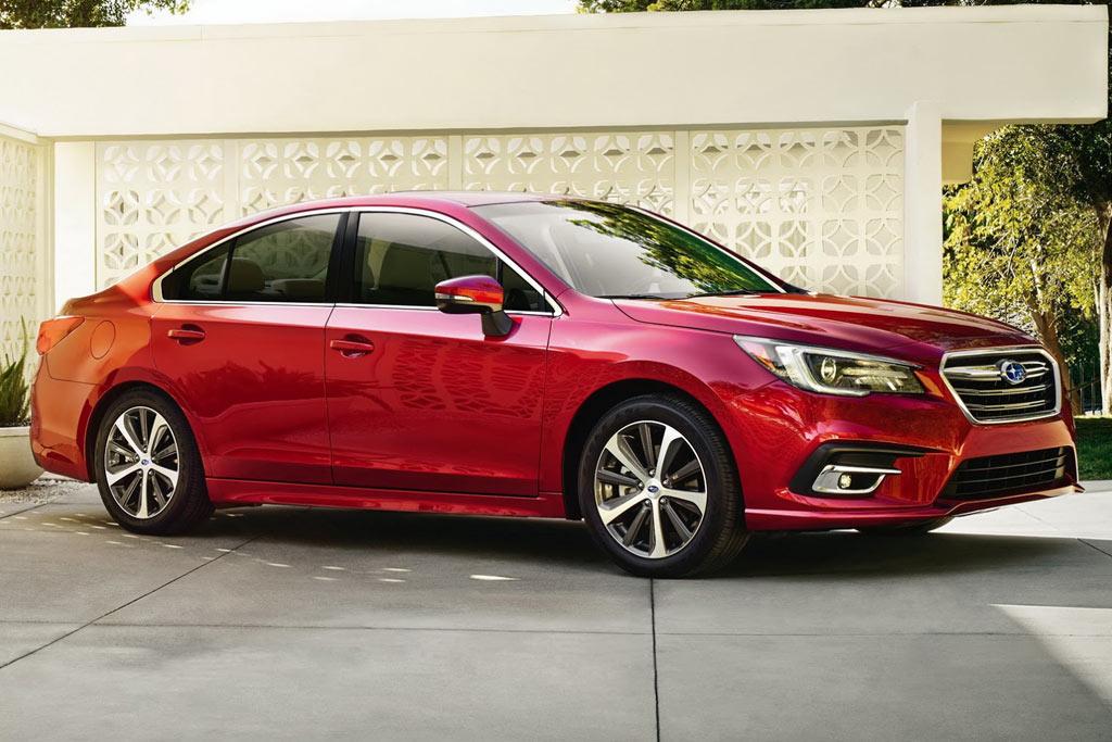 Обновленный седан Subaru Legacy 2018